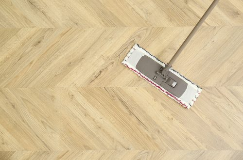 Mopping a parquetry flooring in Melbourne